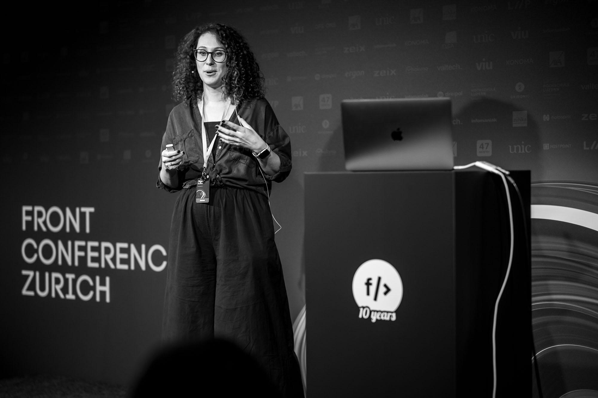Olga Skurativska on stage at Front Conference 2021