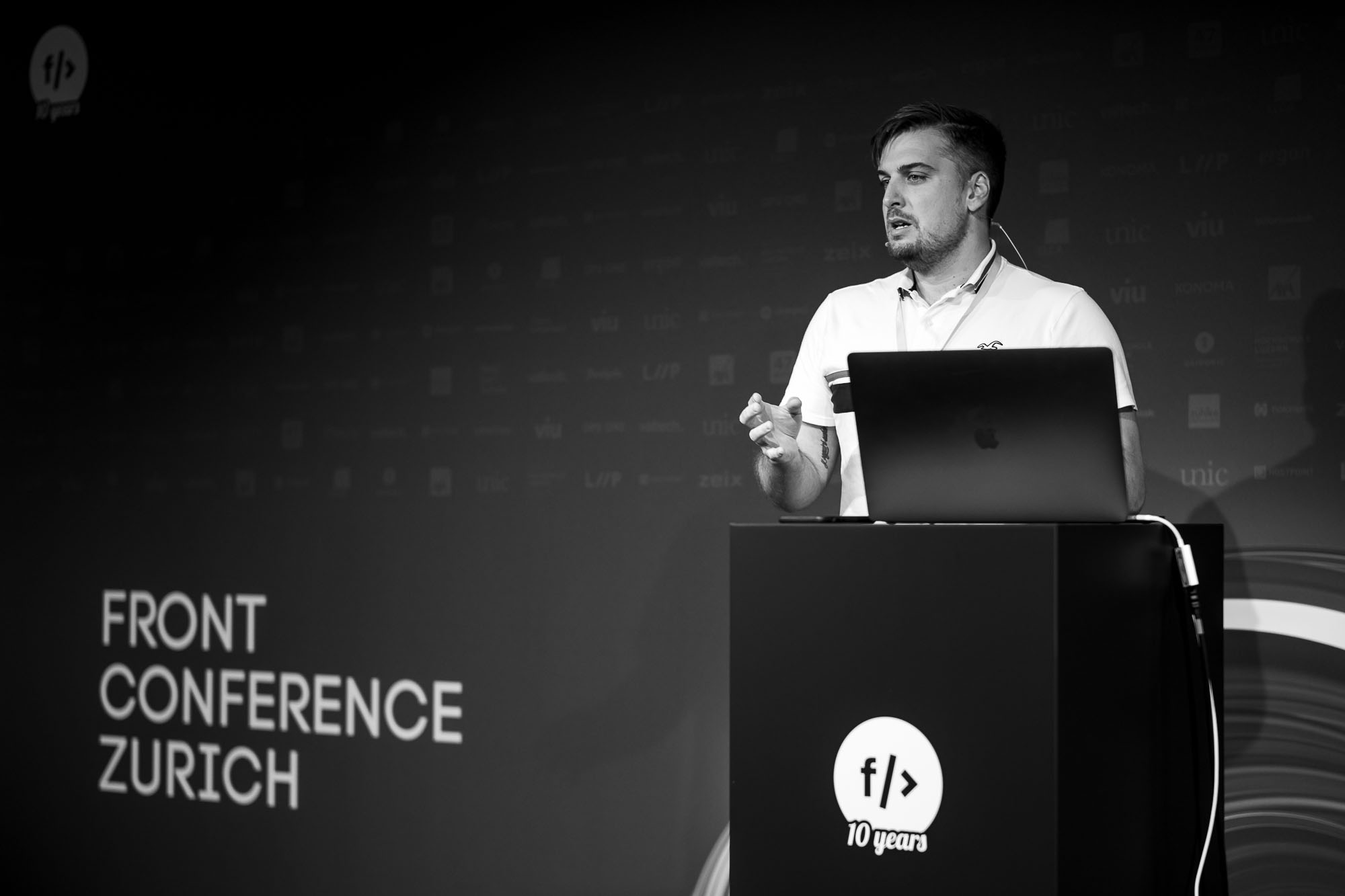 Tamas Piros on stage at Front Conference 2021