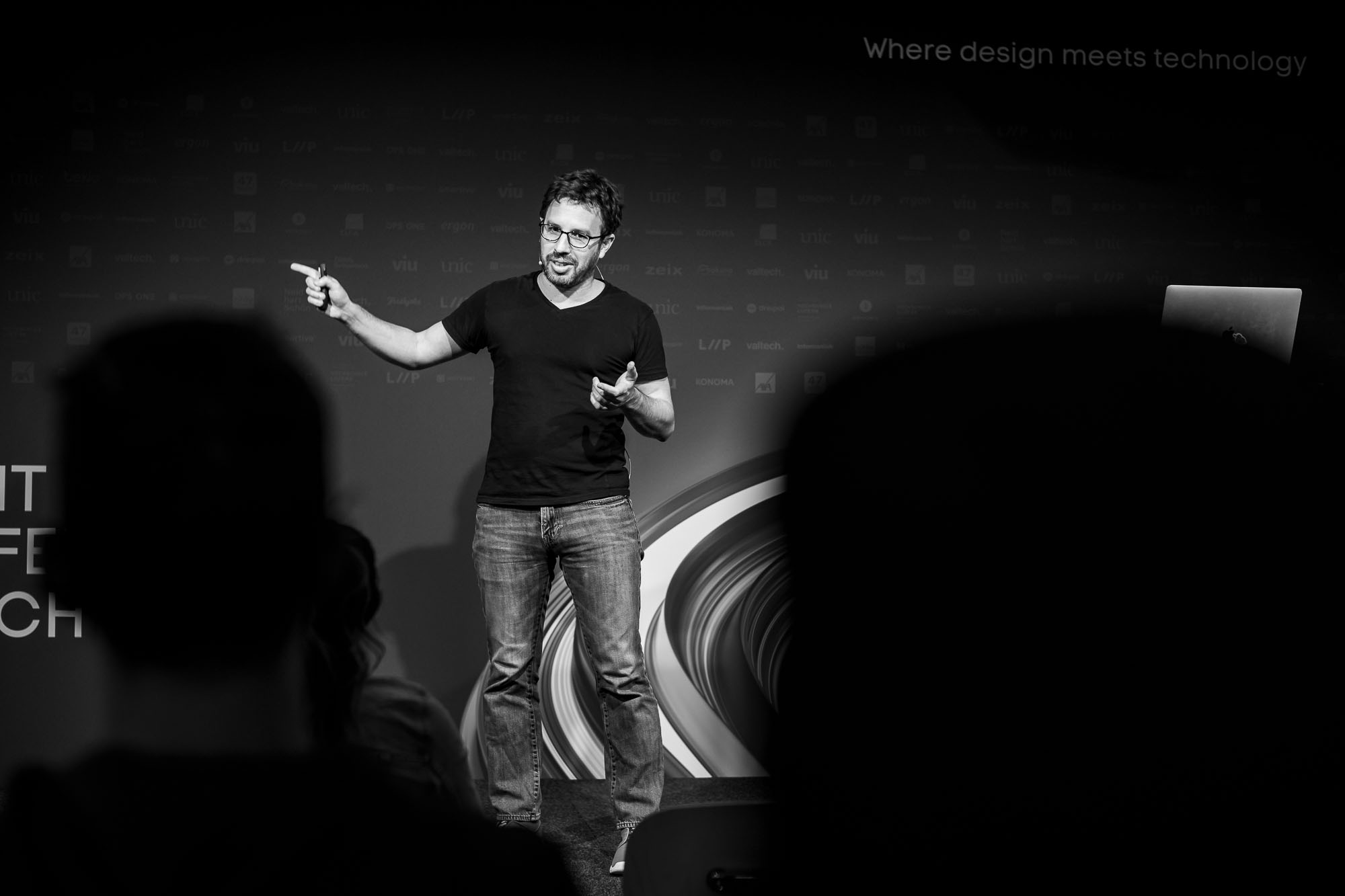 Alon Kiriati on stage at Front Conference 2021
