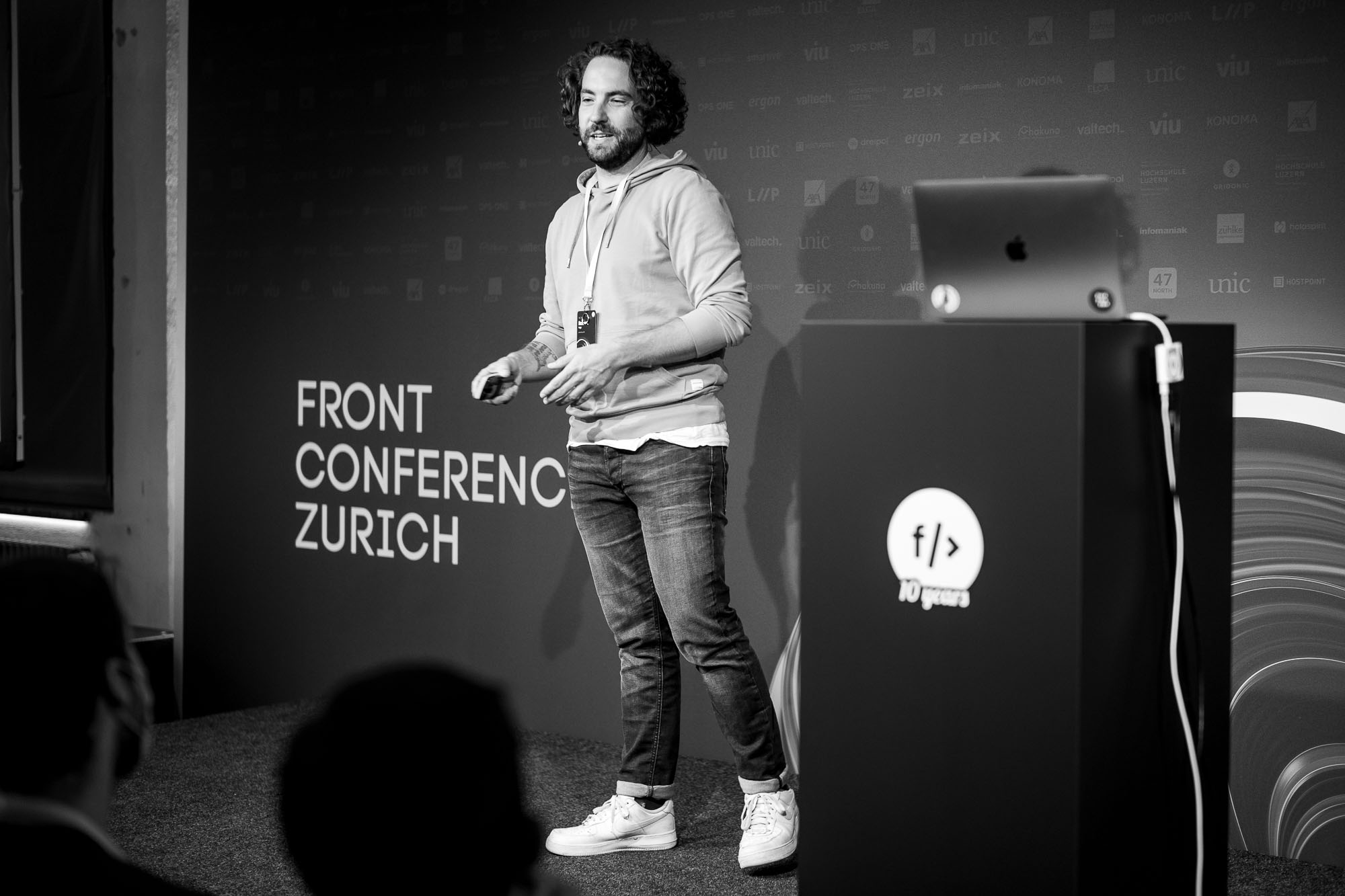 Robert Vogt on stage at Front Conference 2021