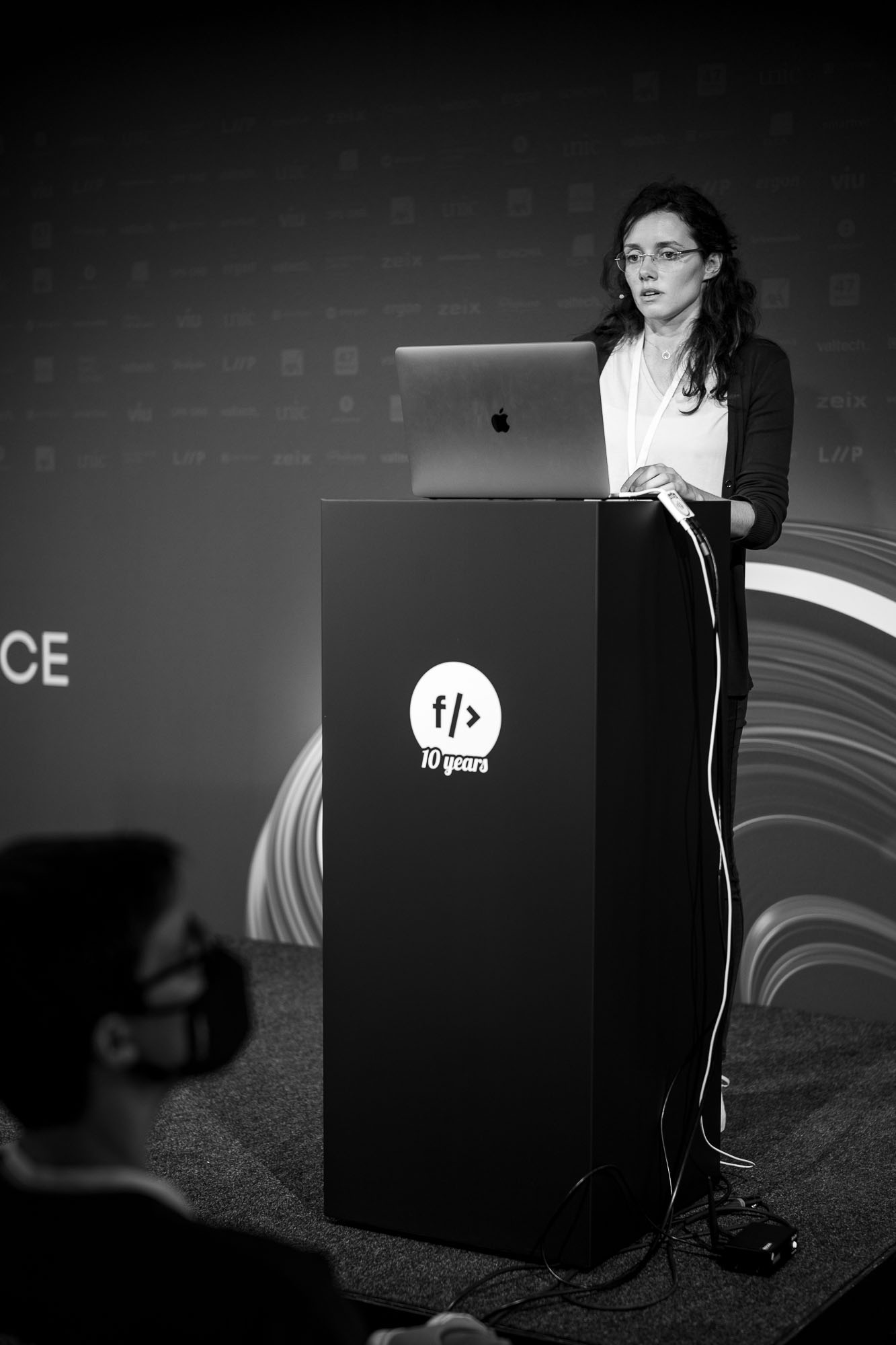 Raluca Nicola on stage at Front Conference 2021