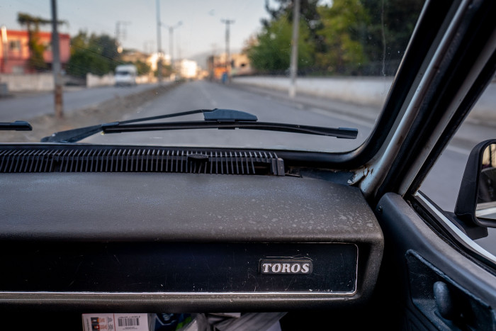 Reault Toros logo on the dashboard, on the passenger side of the car